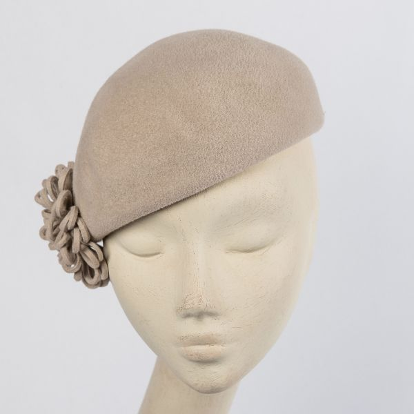 Velour felt ladies beret